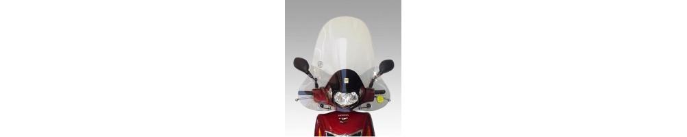 Čelní sklo nebo aerodynamické kryty pro motocykly a skútry